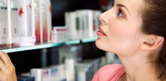 Bí quyết chăm sóc da nhạy cảm 3: Lựa chọn mỹ phẩm cẩn thận