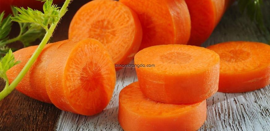 #4 Cách trị mụn cho da mặt mặt siêu hiệu quả bằng cà rốt