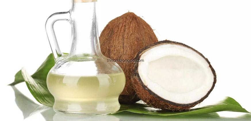 Tinh dầu dừa dưỡng ẩm cho tóc